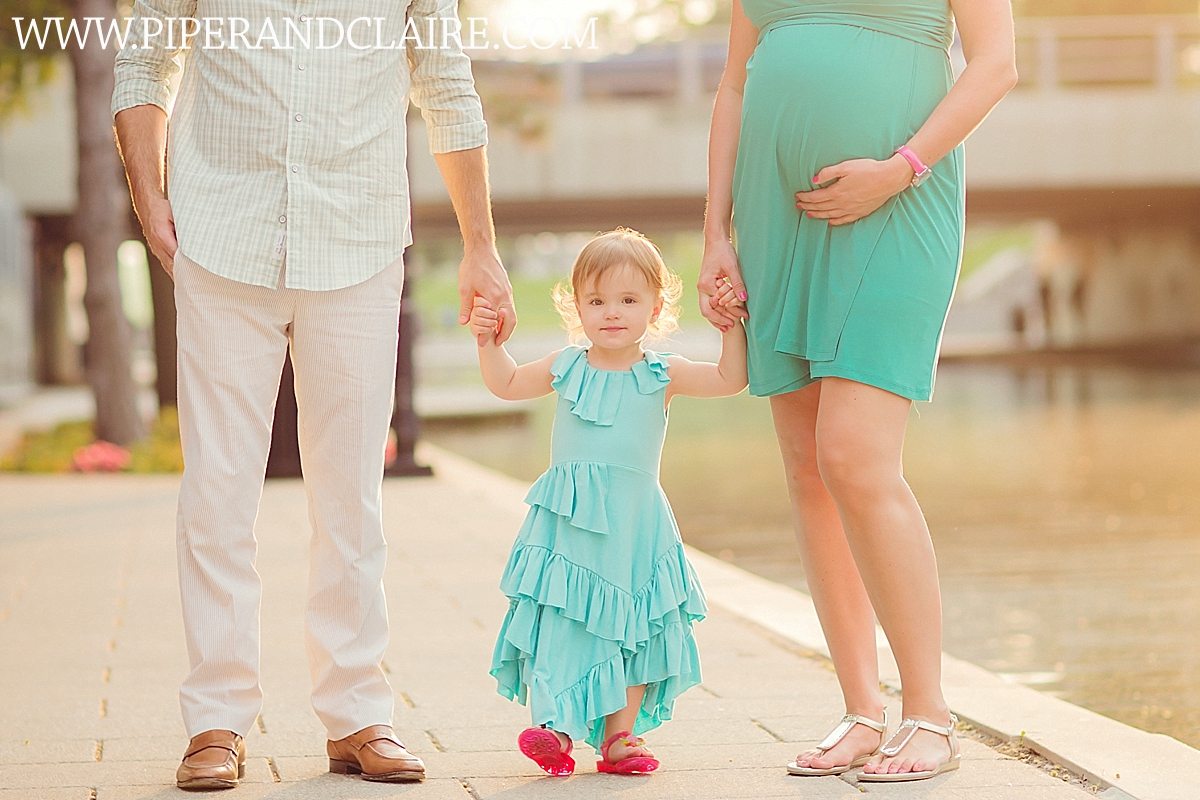 8_family-portrait-expecting-new-baby